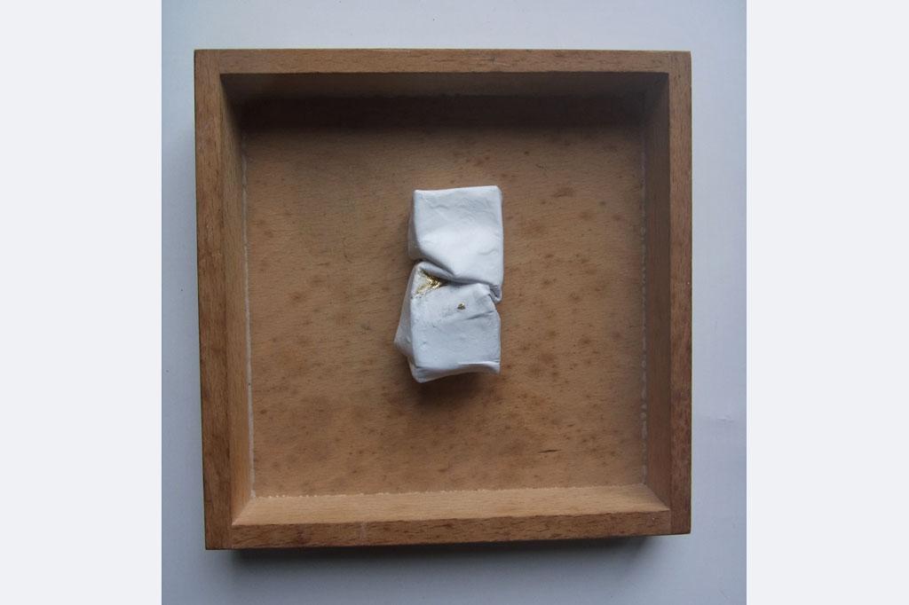 Jürgen Cornelius Ernst, Wandobjekt, Papier/Lack/Schlagmetall, 18 x 18 x 2 cm, 110.- €, 0174 7305118