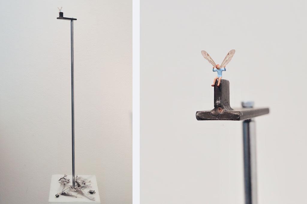 """Reinhard Köhler: """"Ich fragte einmal einen Vogel: ´Wie kannst du in dieser Schwere der Dunkelheit fliegen?` Er antwortete: `Liebe trägt mich empor.´"""" Objekt; 480 €"""