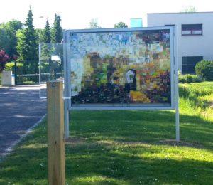 Sundgau kleinteilig, 2019, Mosaikpixelbild aus Kunststoffabfällen des Dualen Systems, Stuwa - Pays du Sundgau, Altkirch im Elsass